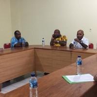 Pemkab Yahukimo Serahkan Bantuan untuk STT dan Stakin GIDI